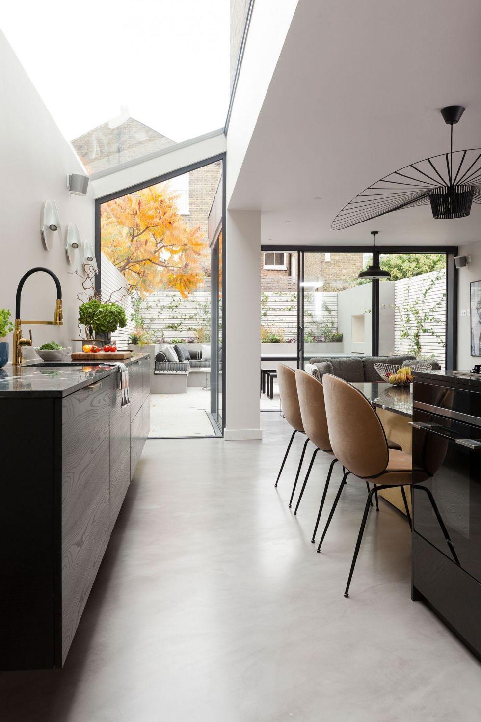 Mẫu nội thất phòng bếp nhà phố 4 tầng