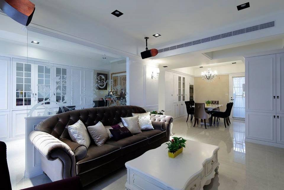 Công ty thiết kế nội thất nhà phố 4 tầng tại Long Biên, Hà Nội