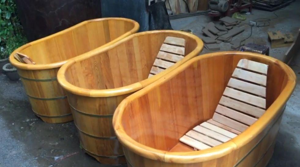 Sản xuất bồn tắm gỗ Pơ Mu