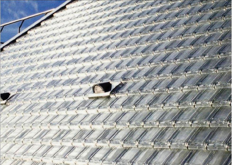 Ngói kính lấy sáng - vật liệu hữu ích cho nhà ngõ khuất sáng