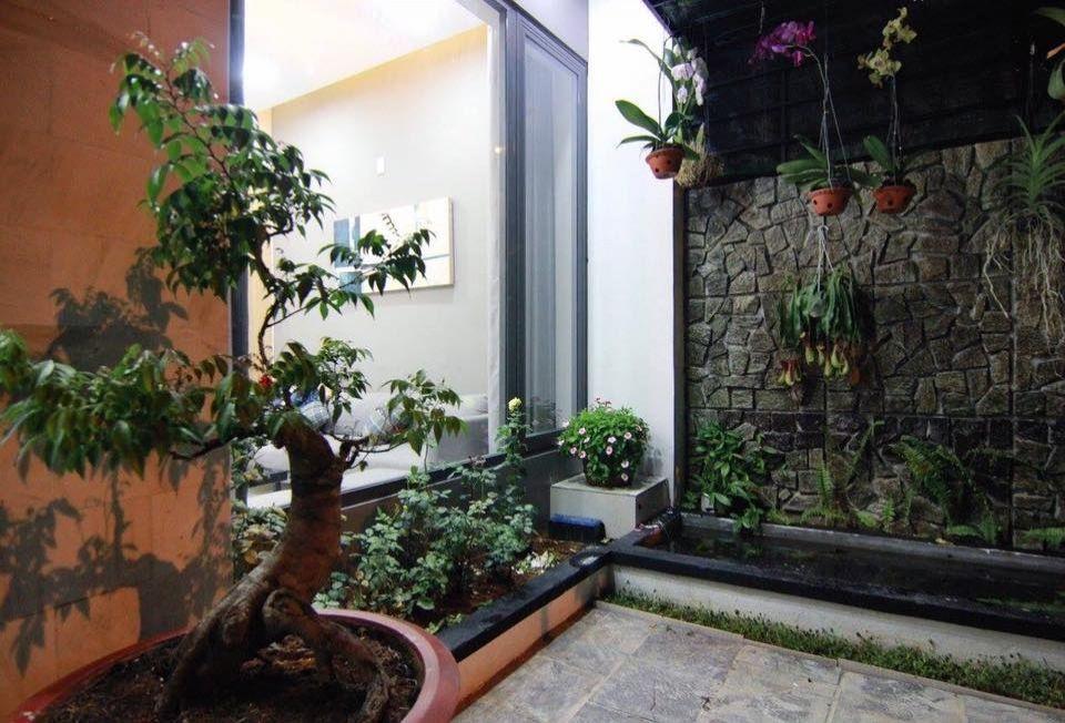 Thiết kế nhà phố 2 tầng với hình khối đơn giản mà bắt mắt