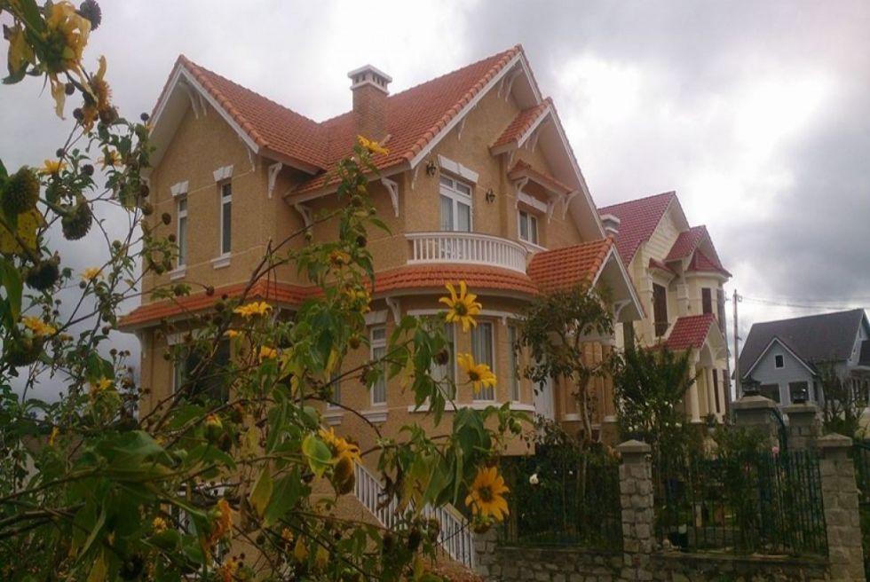 Mẫu biệt thự 3 tầng kiểu pháp khu nghỉ dưỡng tuyệt vời tại Đà Lạt