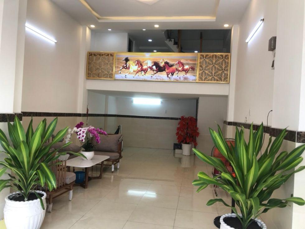 Bán nhà mặt tiền 184 Phan Đăng Lưu, Phường 3, Q. Phú Nhuận.